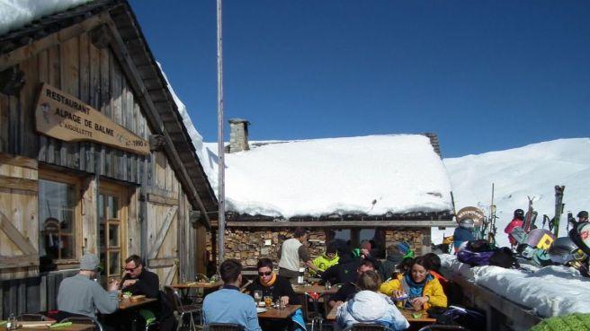 alpage-de-balme-restaurant-terrace-le-tour